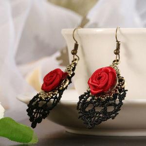 Gothic Vampire Halloween Black Lace Earrings new